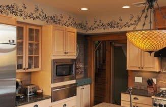 чем отделать стены в кухне: трафаретная роспись