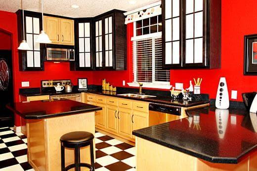 сочетание цветов для интерьера кухни: красный цвет