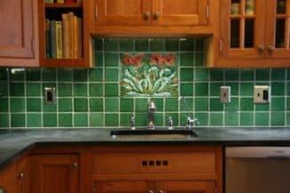 чем отделать стены на кухне: плитка