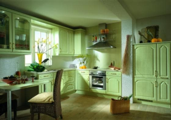сочетание цветов в интерьере кухни: зеленая мята