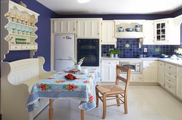 белая кухня белый фартук