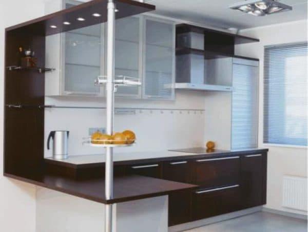 Правильно спланированная кухня, поможет создать комфортное помещение.