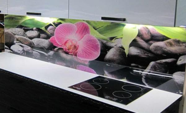 фартук для кухни из пластика: цветы
