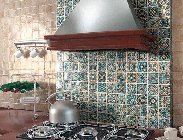 плитка кирпичиком на кухню