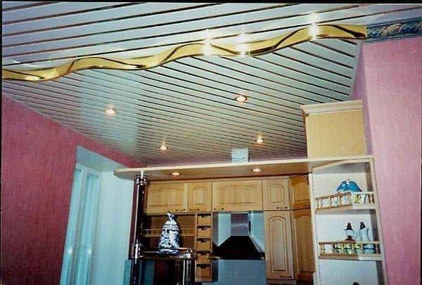 потолки на кухне как выбрать