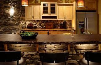 отделка камнем на кухне
