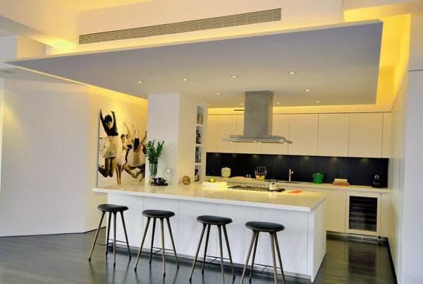 Какой потолок лучше сделать на кухне,
