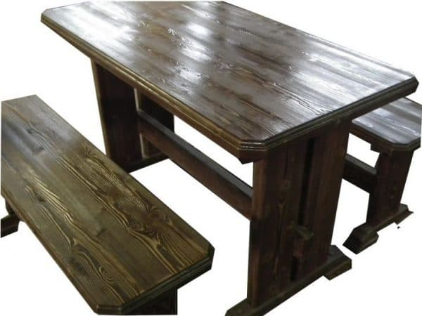 самодельный деревянный стол из лиственницы
