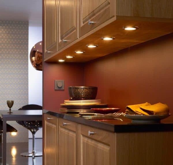 освещение кухонных шкафов в кухне