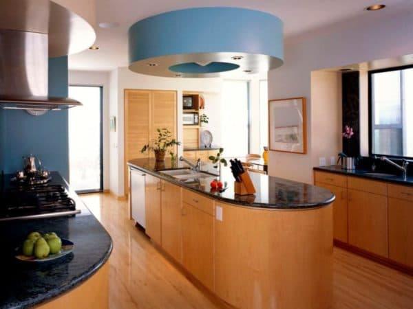 Дизайн кухни в частном доме