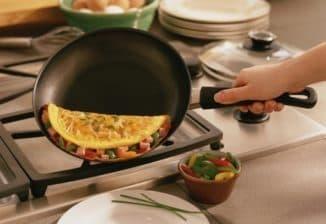 приготовление на сковороде без антипригарного покрытия