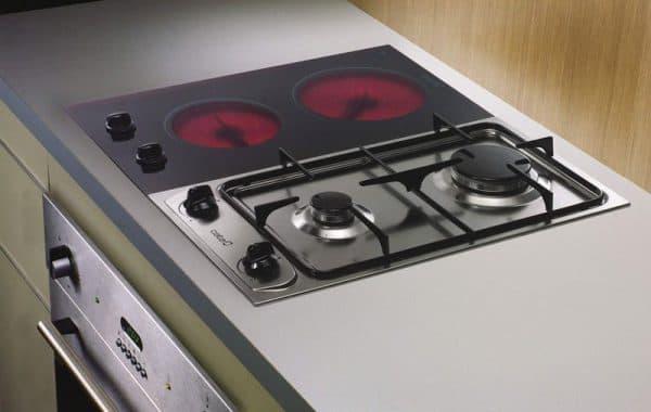 комбинированная плита с электрической духовкой стеклянной газовой варочной панелью