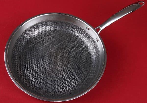 нержавеющая сковорода с антипригарным покрытием