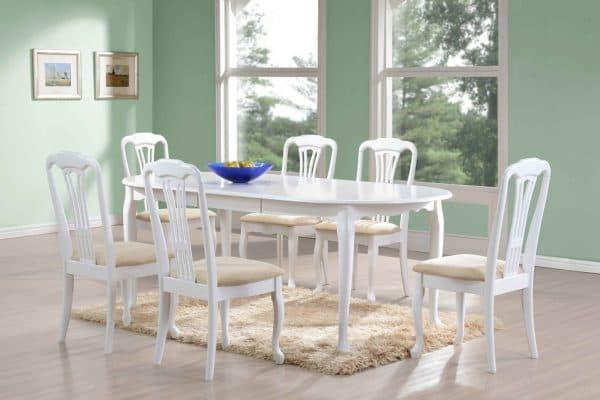 строгие квадратные белые деревянные стулья для кухни