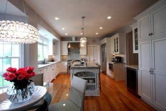 разные потолочные люстры на кухню
