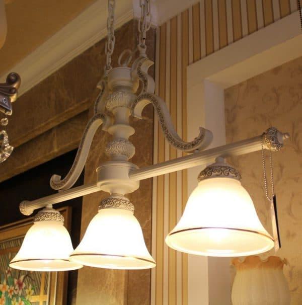 металлическая люстра на кухню в стиле прованс