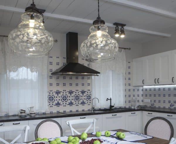 люстра на кухню в стиле прованс в виде сферы
