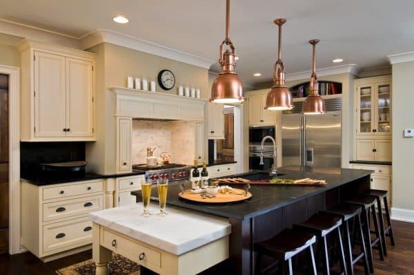стилистические люстры на кухню