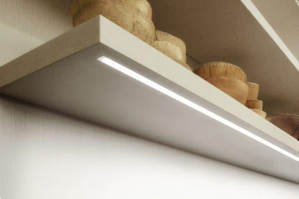 накладной светильник лента для кухни