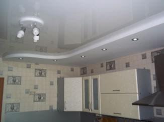 потолок на кухне какой выбрать