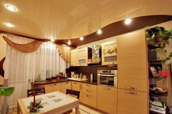какие выбрать потолки на кухню