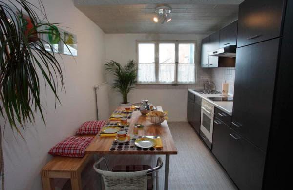 Однорядная кухня позволит сэкономить место, но не слишком удобна