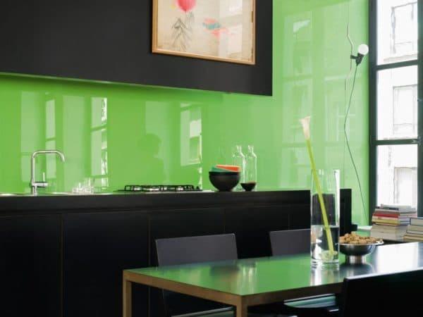 Фартук из закаленного стекла на кухню
