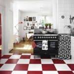 Классика цвета: сочетание красного черного и белого на кухне