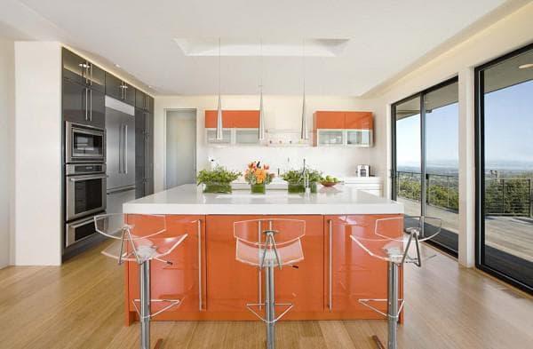 раскладной стул на кухне