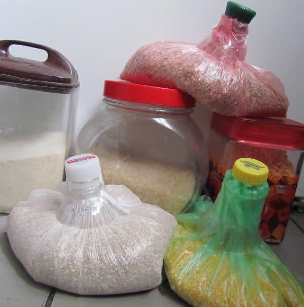 хранение круп в пакетах на кухне