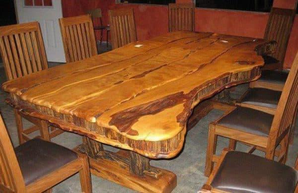 самодельный деревянный стол из тиса