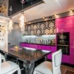 Розовые мечты и серые будни: как правильно сочетать цвета на кухне