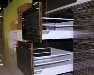 Доводчики для кухонных шкафов: для мебели и ящиков, обзор произодителей