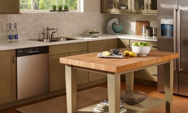 разделочный стол для кухни с пластиковой столешницей