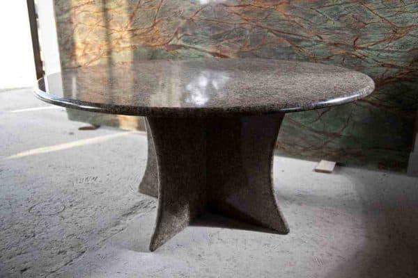 кухонные овальные столы из натурального камня