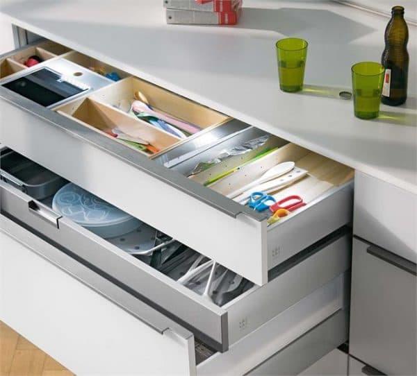 посудные шкафы на кухню с сеткой для кухонного инвентаря