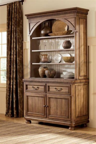 красивый современный шкаф из натурального дерева