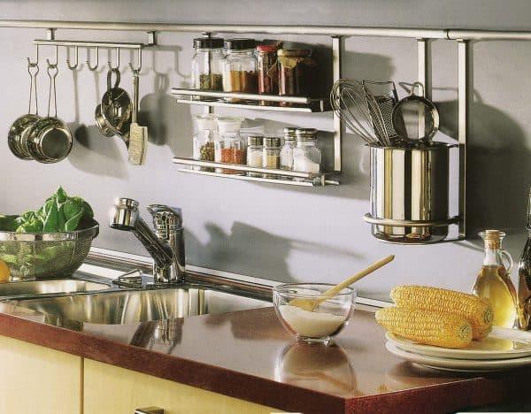 посудные шкафы на кухню с рейлинговой системой