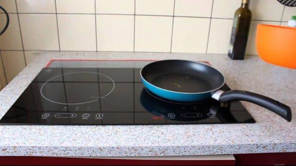 встраиваемая двухкомфорочная индукционная плита