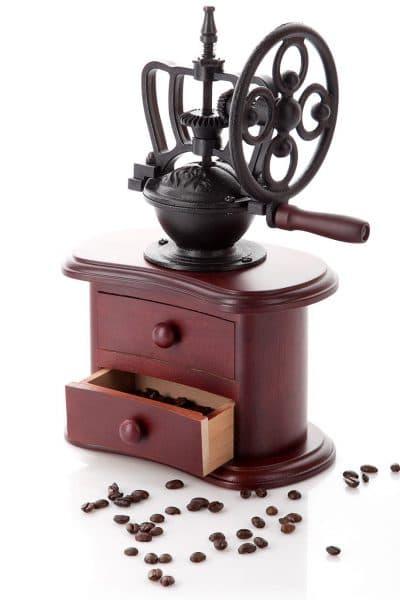 кофемолка ручная с каменными жерновами Беккер