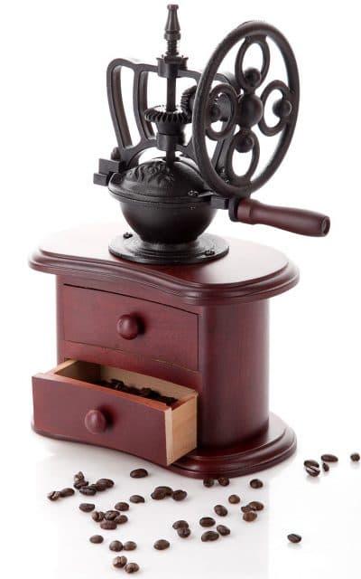 ручные механические кофемолки с чугунными жерновами
