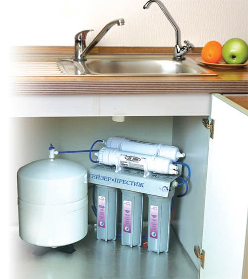 кувшинный фильтр для воды под мойку гейзер