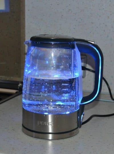 чайник электрический стеклянный с подсветкой BORK