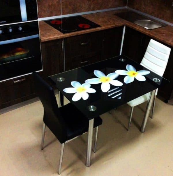 стеклянные столы с фотопечатью для кухни
