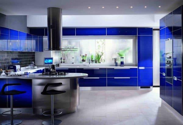 современные кухонные гарнитуры хай-тек