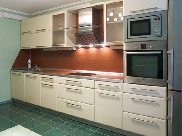 линейные современные кухонные гарнитуры