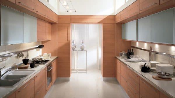 двухрядные современные кухонные гарнитуры