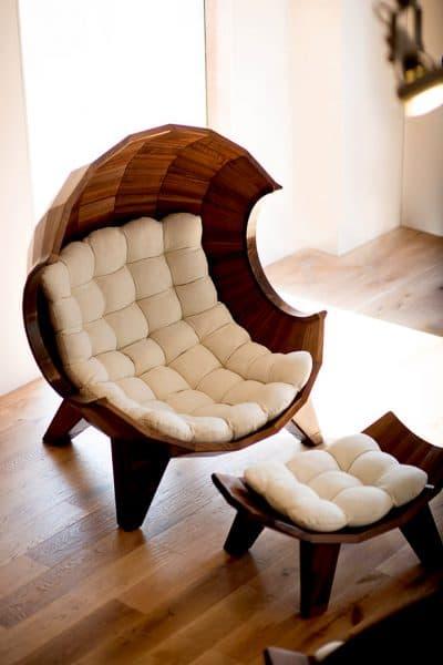 стильный стул для кухни в форме ракушки