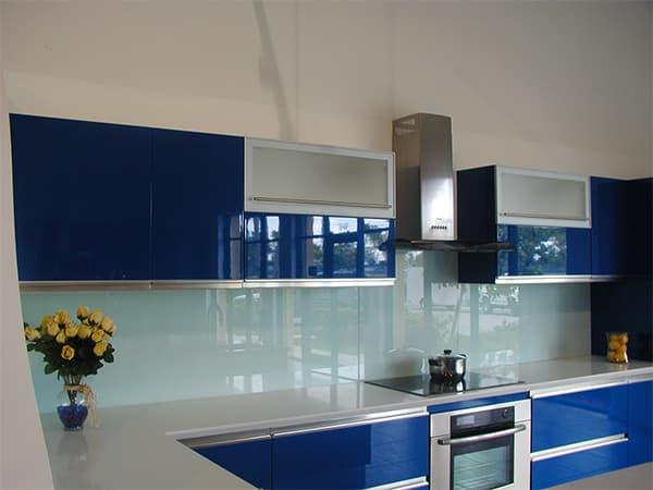 закаленное стекло для кухонных фасадов