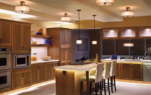 накладной светильник на барной стойке для кухни